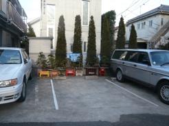 世田谷区上祖師谷2丁目の駐車場の画像