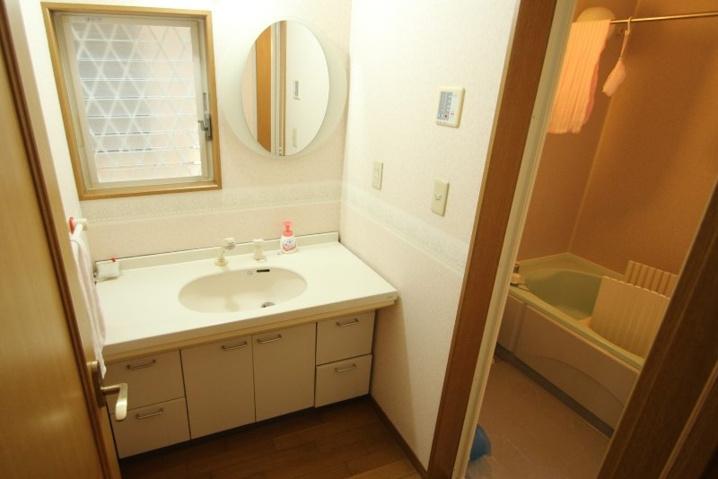 逗子市桜山|戸建|3980万円|居心地のよいリビング