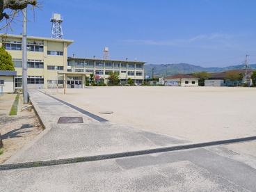 奈良市立帯解小学校の画像