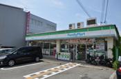 ファミリーマート川西平野店