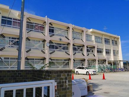 奈良市立登美ヶ丘小学校の画像