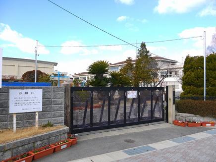 木津川市立棚倉小学校の画像