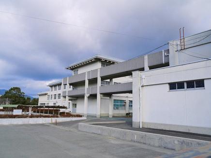 木津川市立泉川中学校の画像