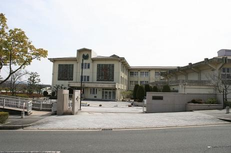 木津川市立木津川台小学校の画像