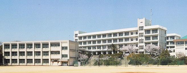 明石市立高丘中学校情報ページ|神戸市灘区の土地、戸建ての売買は ...